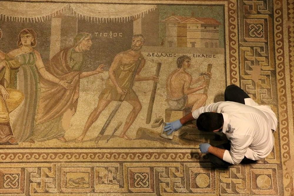 Zeugma Mozaik Müzesi'ndeki eserler, cerrah hassasiyetiyle temizlenerek geleceğe aktarılıyor - 11