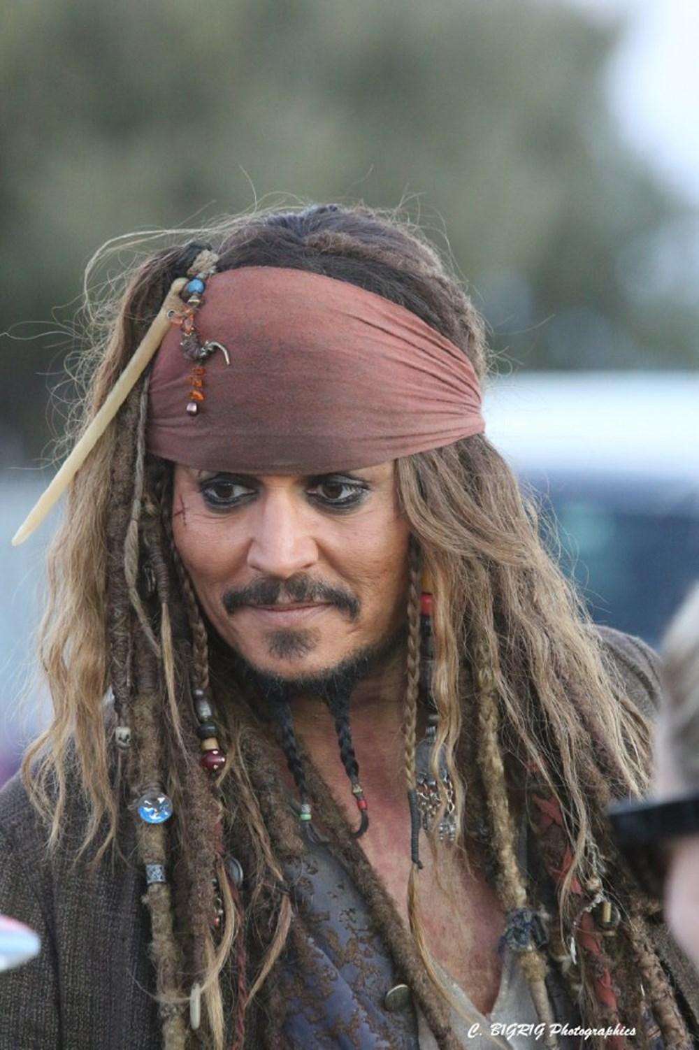 частью молотка джонни депп фото пираты карибского моря подбирается материал советы