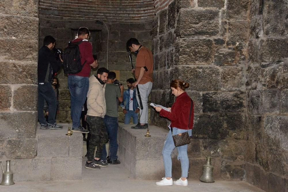 Diyarbakır'ın tarihi mekanları dizi çekimleri için doğal plato oldu - 5