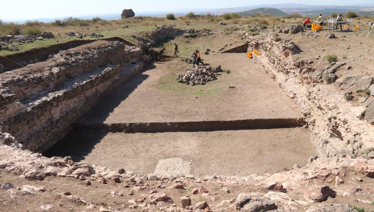 Eskişehir'deki Karacahisar Kalesi'nin yüzde 10'luk kısmına ulaşıldı
