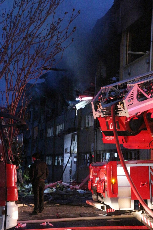Bağcılar'da ambalaj fabrikasında patlama - 4