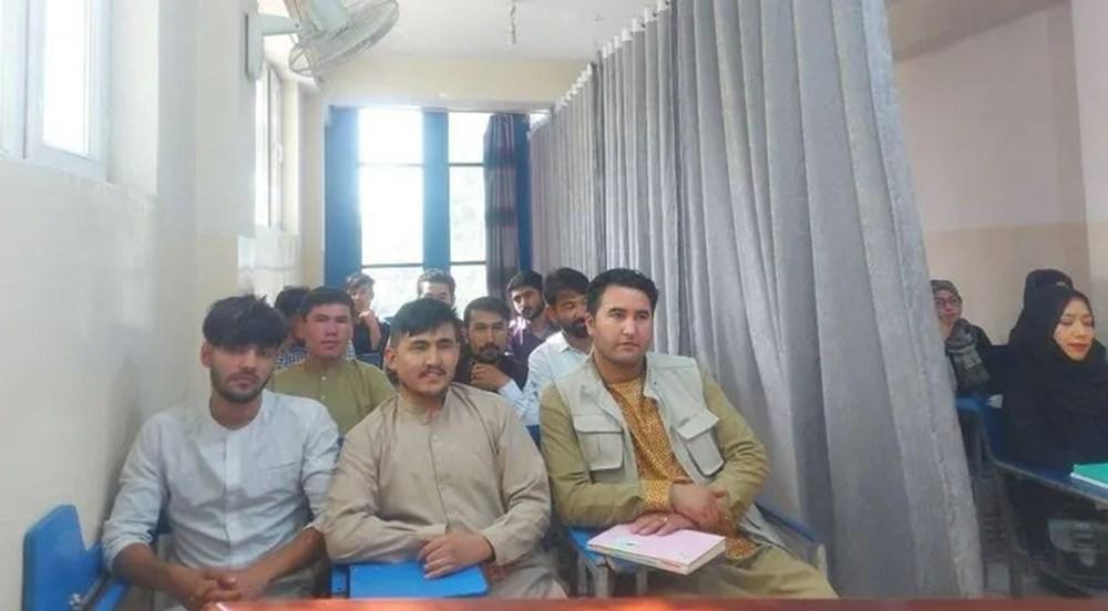 Afganistan'da eğitim başladı: Kız ve erkek öğrenciler perdeyle ayrıldı - 2