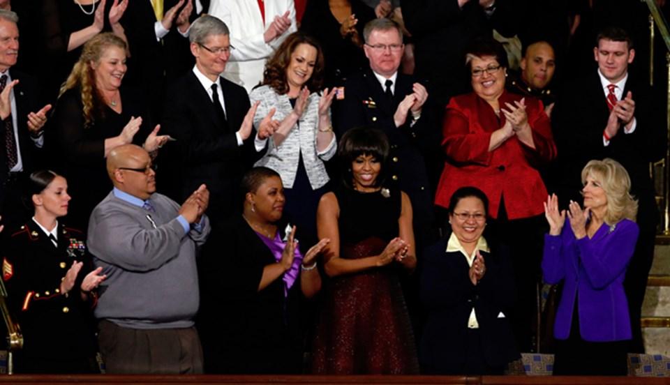 Cook, ABD Başkanı Barack Obama'nın ulusa sesleniş konuşmasını dinleyen özel konuklar arasındaydı.