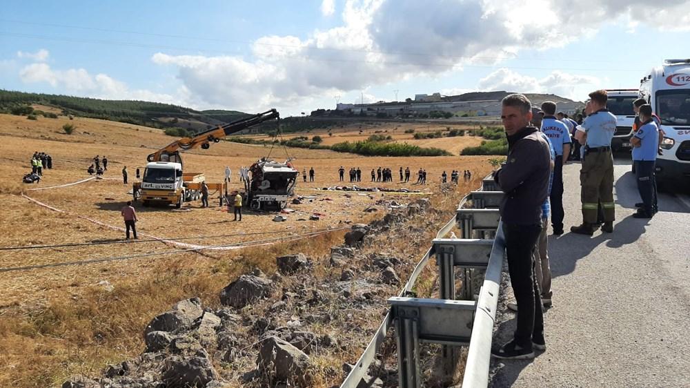 Balıkesir'de yolcu otobüsü devrildi: 15 kişi hayatını kaybetti - 24