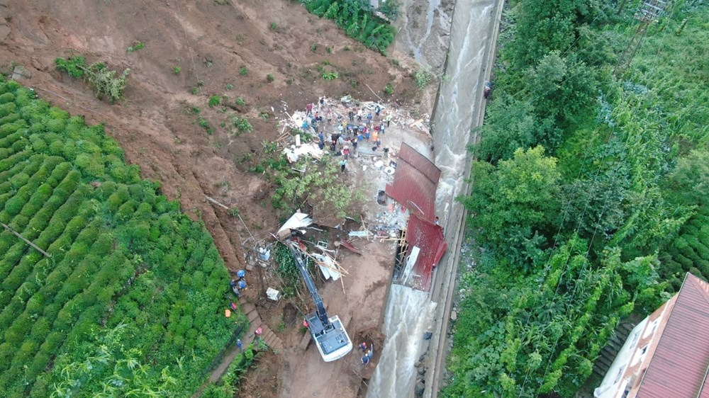 Rize'de sel ve heyelan: 1 kişi hayatını kaybetti, 3 kişiden haber alınamıyor - 10