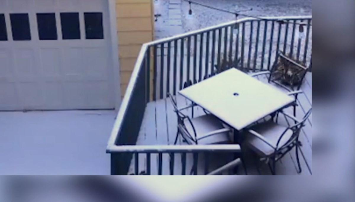 100 santimetre kalınlığındaki karın altında kayboldu