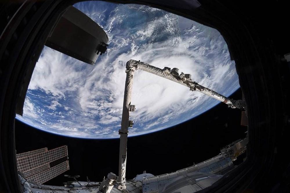 Musk, uzay reklamcılığı işine giriyor