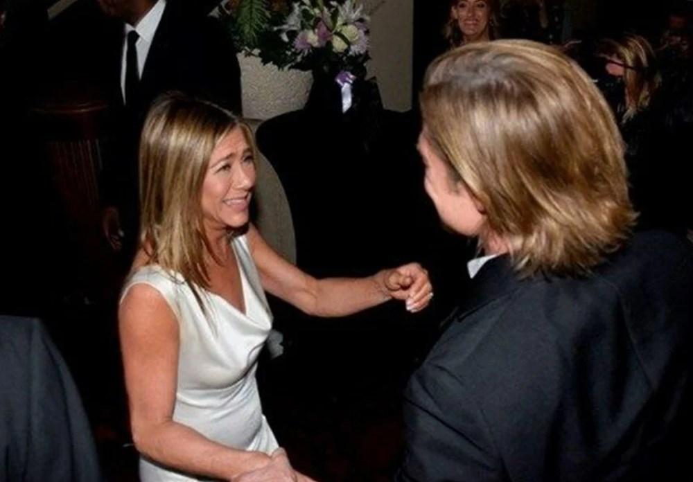 Jennifer Aniston'dan Brad Pitt açıklaması: Biz iki dostuz - 5