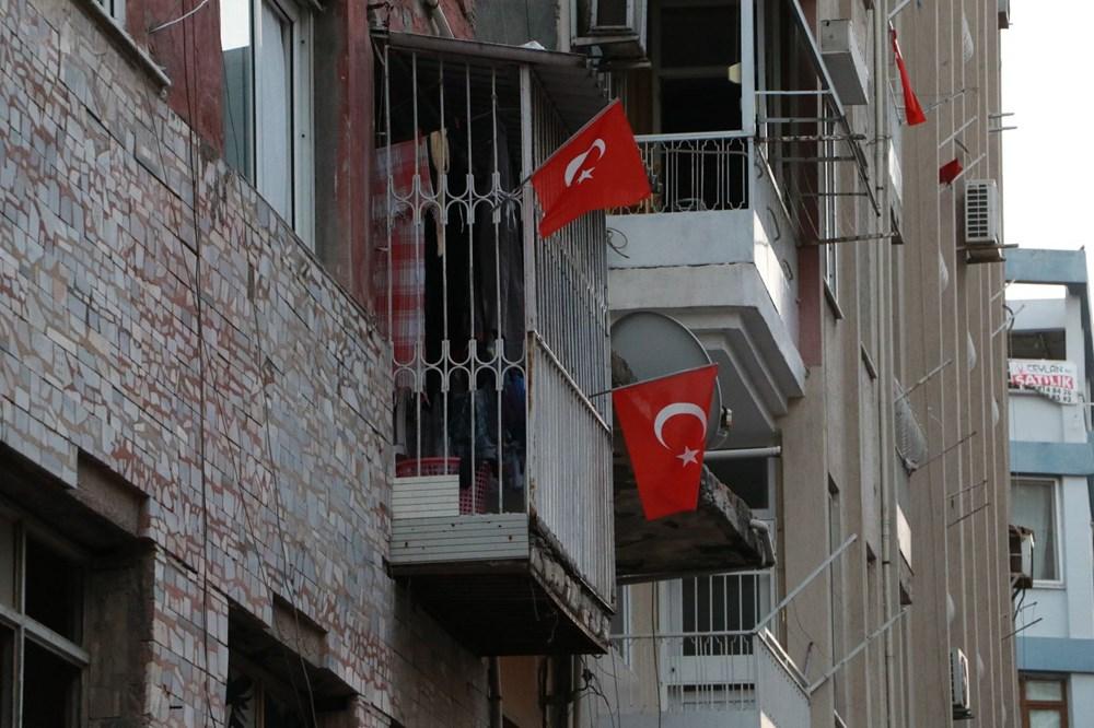 İskenderun'da patlamanın yaşandığı caddede teröre 'Türk bayraklı' tepki - 3