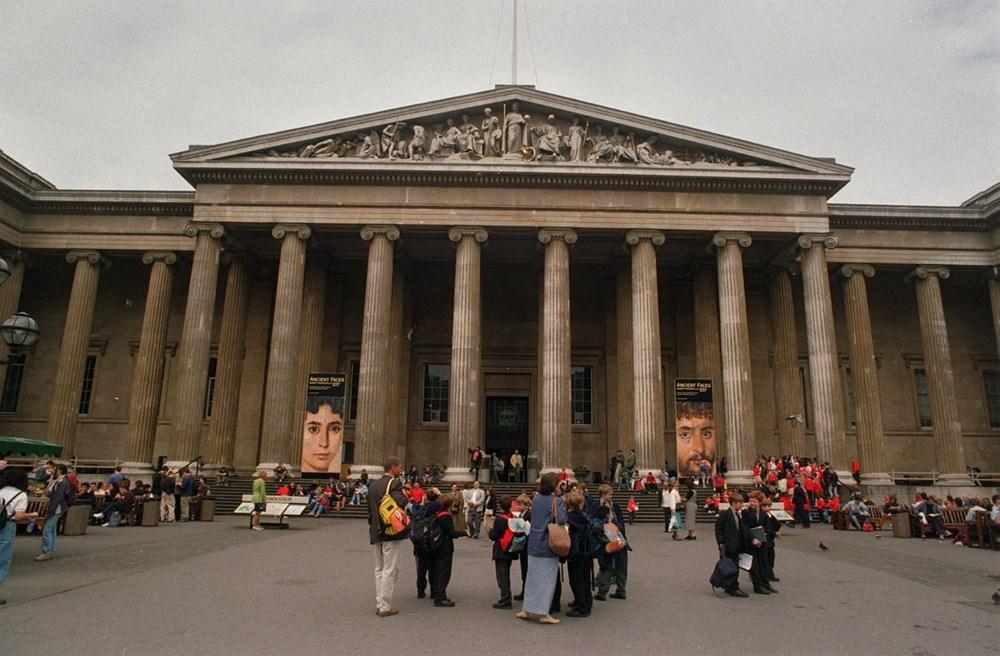 British Museum köleci kimliği nedeniyle Sir Hans Sloane büstünü sergiden çıkardı - 5