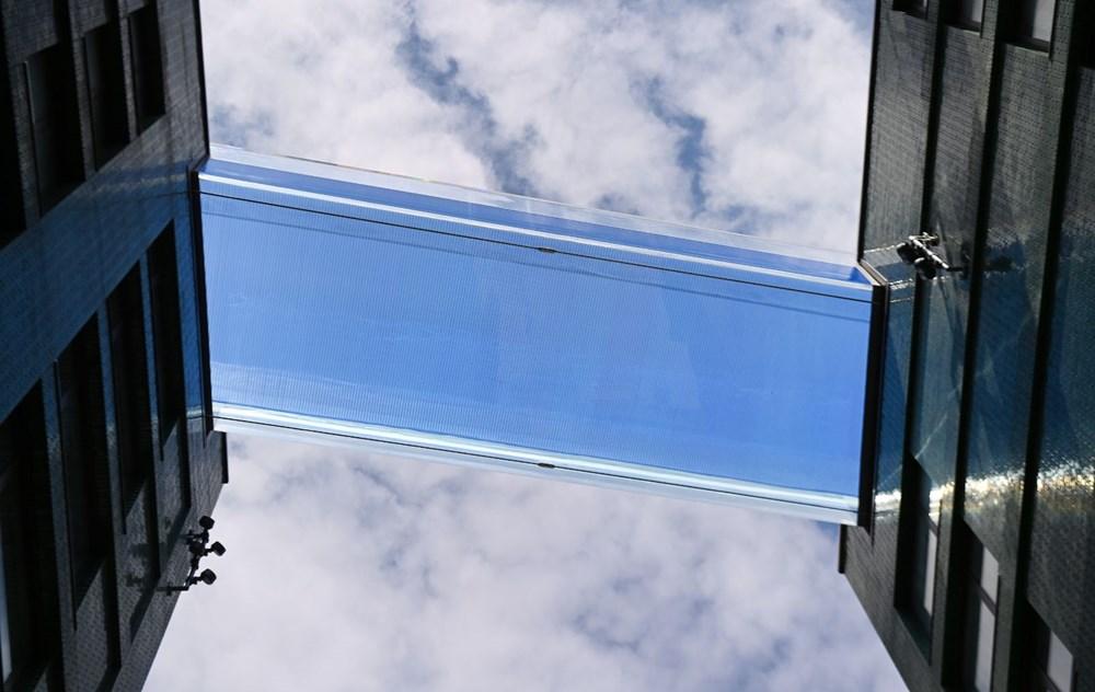 Dünyanın ilk transparan gökyüzü havuzu 'Embassy Gardens' ziyaretçi akınına uğradı - 2