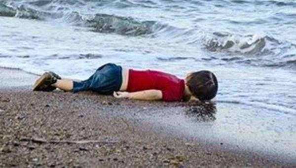 """""""Türkiye olmasaydı Aylan bebeklerin sayısı yüzbinleri bulurdu"""""""