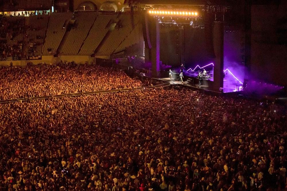 Dünya karantinadayken Yeni Zelanda'da 50 bin kişilik konser - 1