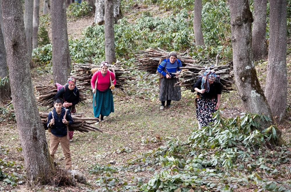 Karadeniz'in çalışkan kadınları: Köy toplansa evde tutamaz - 9
