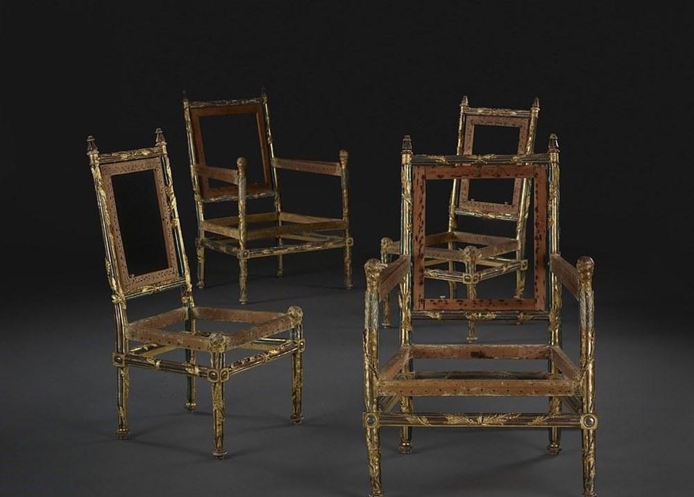 Fransa Kralı 16'ncı Louis'nin kardeşine ait 4 sandalye 1 milyon İngiliz pounduna satıldı - 4