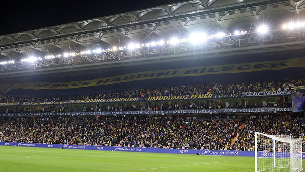 Kadıköy'de 'yönetim istifa' tezahüratları