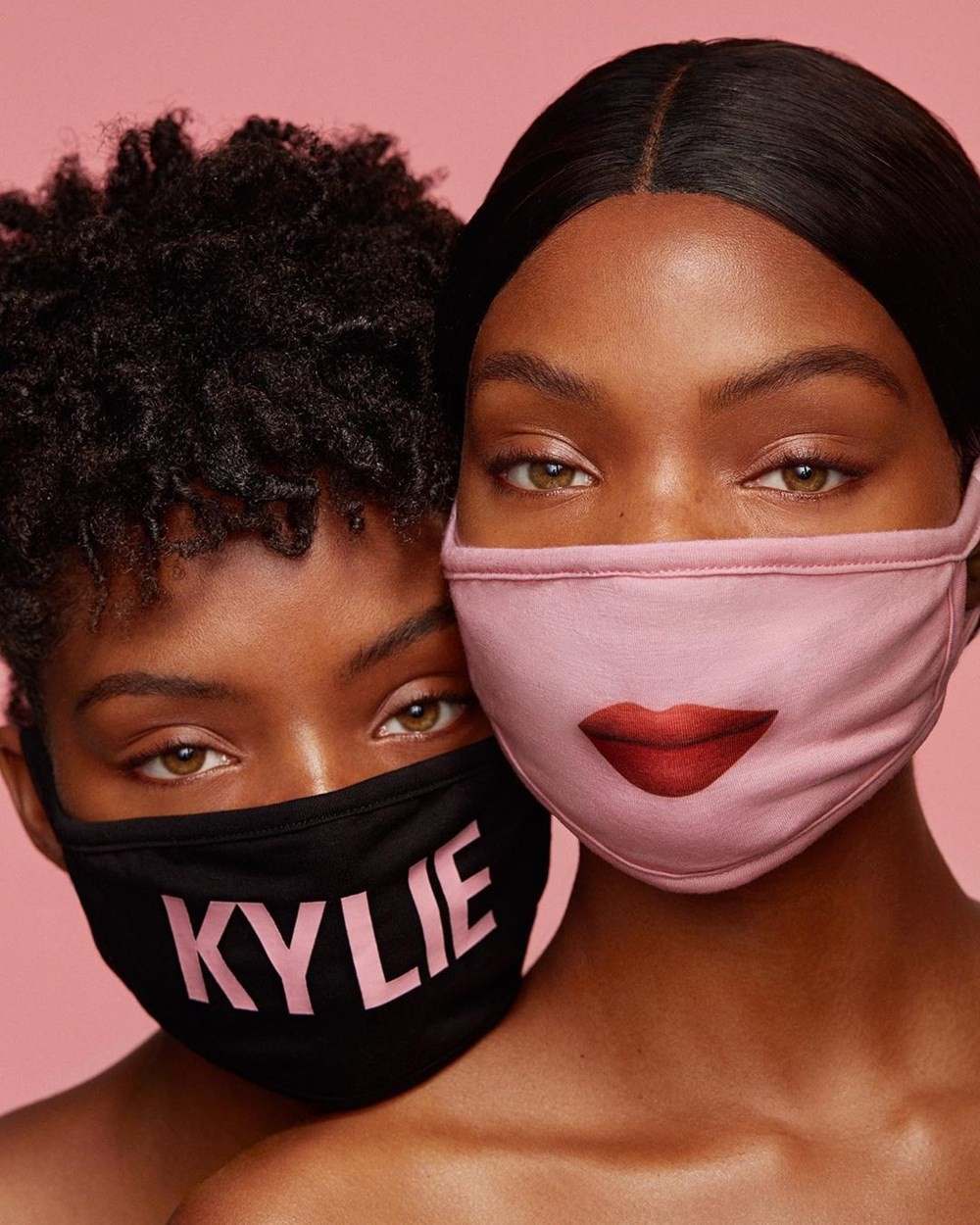 Kylie Jenner, the marks of the full-face mask - 2