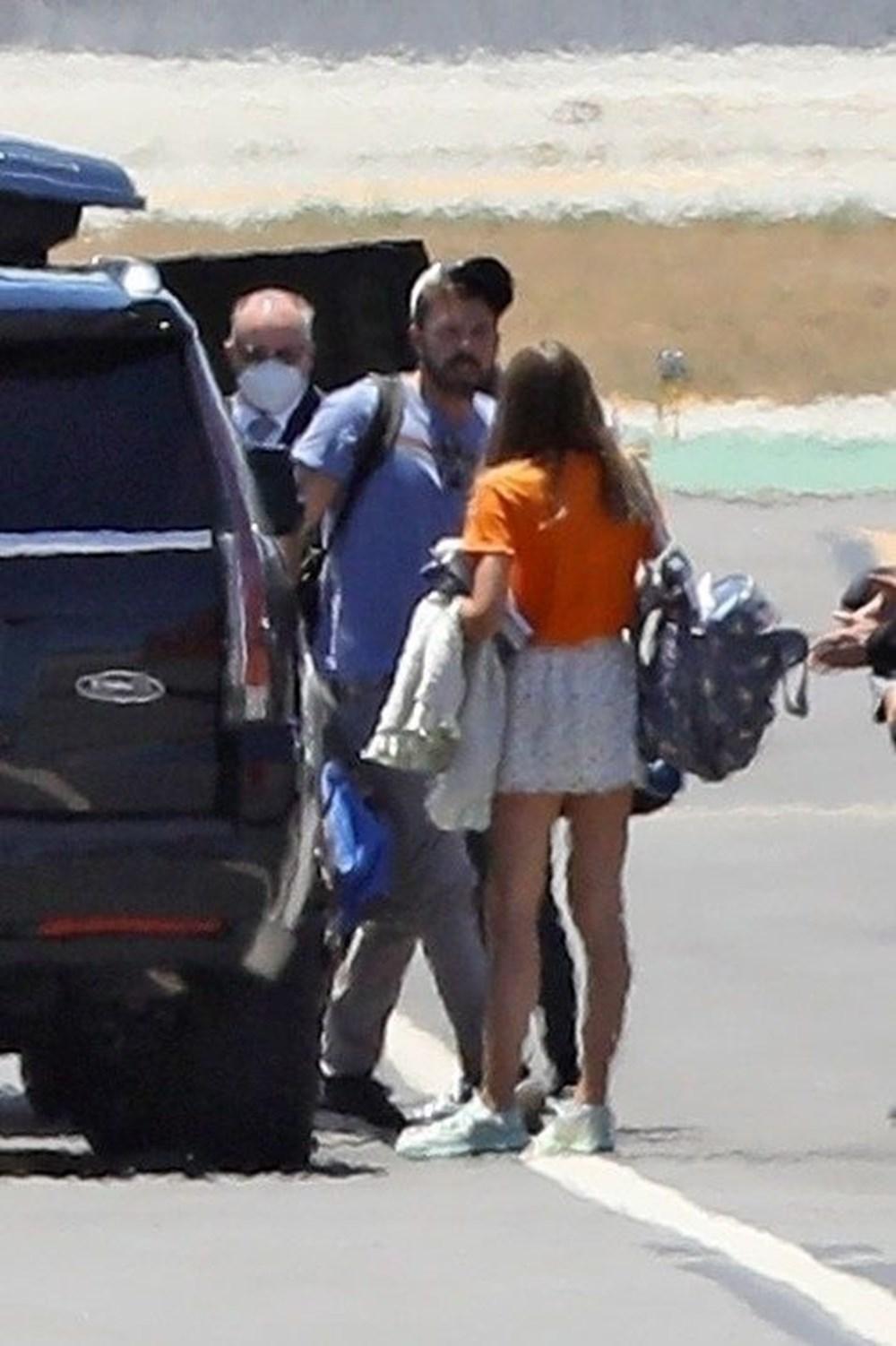 Ben Affleck ile Ana de Armas'dan özel jetle tatile çıktı - 6