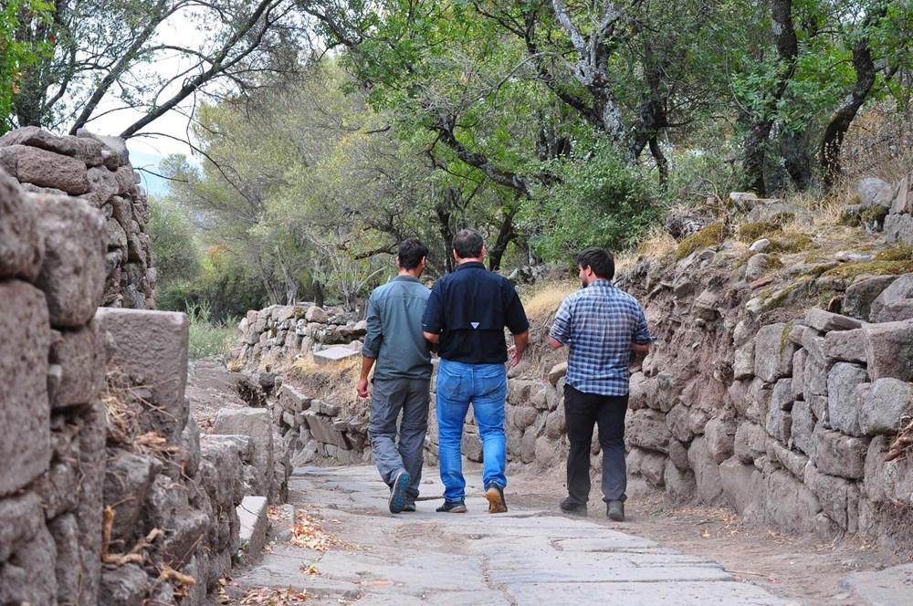 Aigai'deki kazılarda 2 bin yıllık Roma Yolu bulundu - 7
