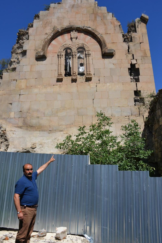 Öşvank Kilisesi'nin duvarlarındaki çatlaklar endişelendiriyor - 9