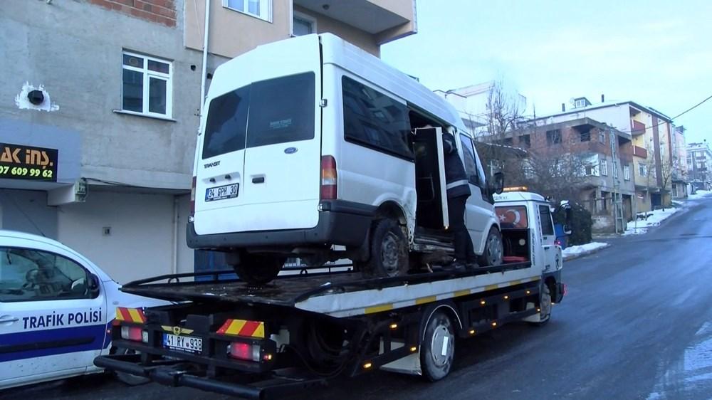 Sancaktepe'de İETT otobüsüyle minibüs çarpıştı: 7 yaralı - 7