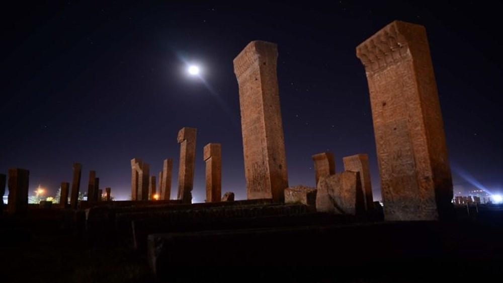Dünyanın en büyük Türk-İslam mezarlığı: Ahlat Selçuklu Meydan Mezarlığı - 2