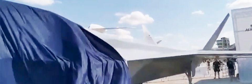 """<p>Fransa'nın başkenti Paris'te düzenlenen airshow'da Türkiye'nin ilk milli muharip uçağı da sergilendi.</p> <p><strong><a href=""""https://www.ntv.com.tr/video/teknoloji/ilk-yerli-savas-ucaginin-modeli-pariste-sergileniyor,9P1moN-aLkWTcMTxd2kCSw"""" target=""""_blank"""">PARİS'TE YERLİ SAVAŞ UÇAĞI TANITIMI-İZLE</a></strong></p>"""