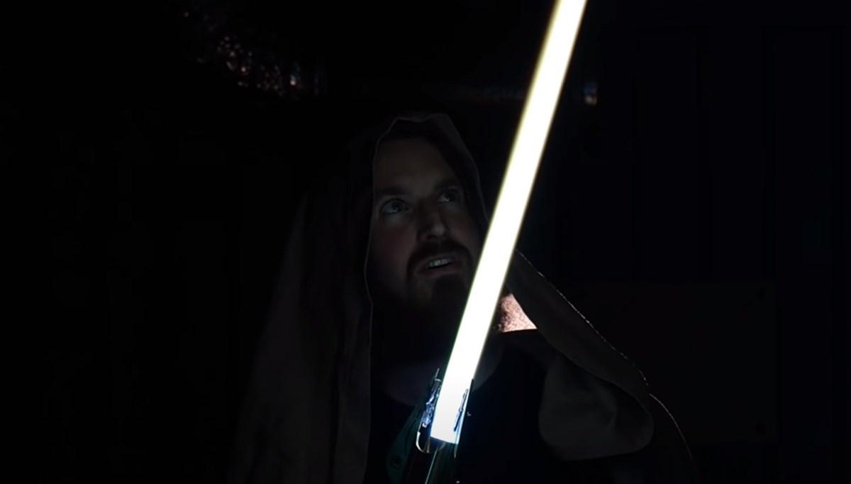 Geri çekilebilir ışın kılıcı yaptılar ve rekor kırdılar