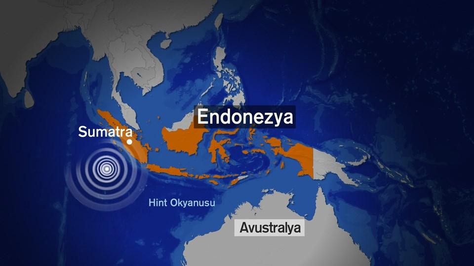 Sumatra Adası'nın batı kıyısında (Hint Okyanusu) depremin derinliği 24 kilometre olarak bildirdi.