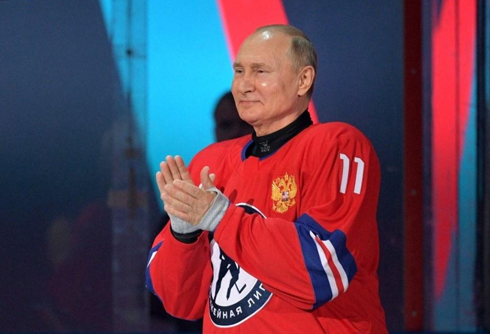 Putin'in renkli anları: Buz Hokeyi Gece Ligi'nin gala maçında sahada - 7