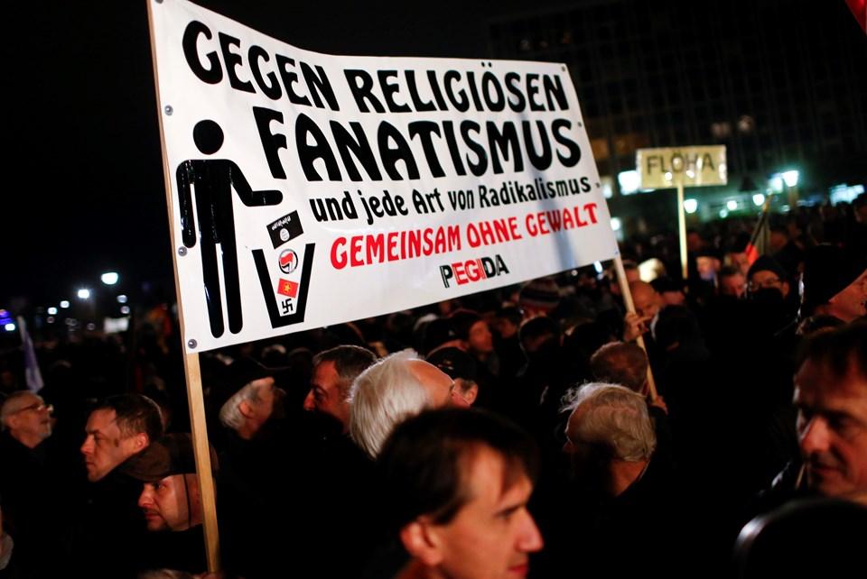 Almanya'nın Dresden kentinde başlayan Pegida hareketinin gösterilerine on binler katılıyor. Pegida benzeri İslam karşıtı gösteriler, Almanya'nın diğer kentlerinde de düzenleniyor.