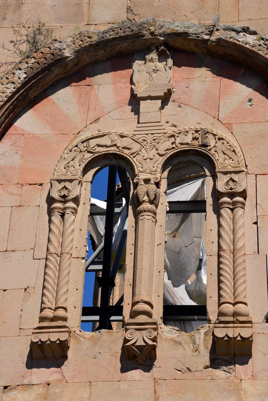 Öşvank Kilisesi'nin duvarlarındaki çatlaklar endişelendiriyor - 5