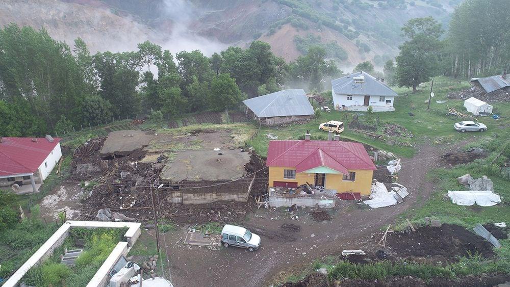 Bingöl'deki depremin boyutu gün ağarınca ortaya çıktı - 2