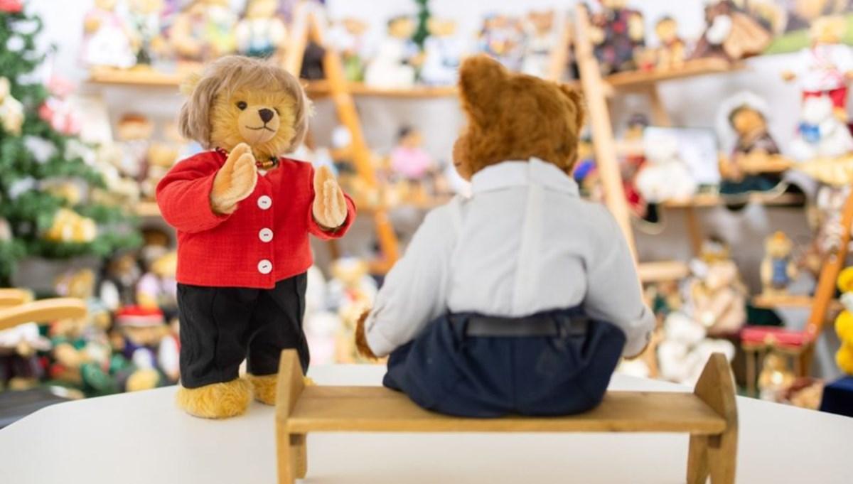 Alman oyuncak firması Angela Merkel'in oyuncak ayısını yaptı