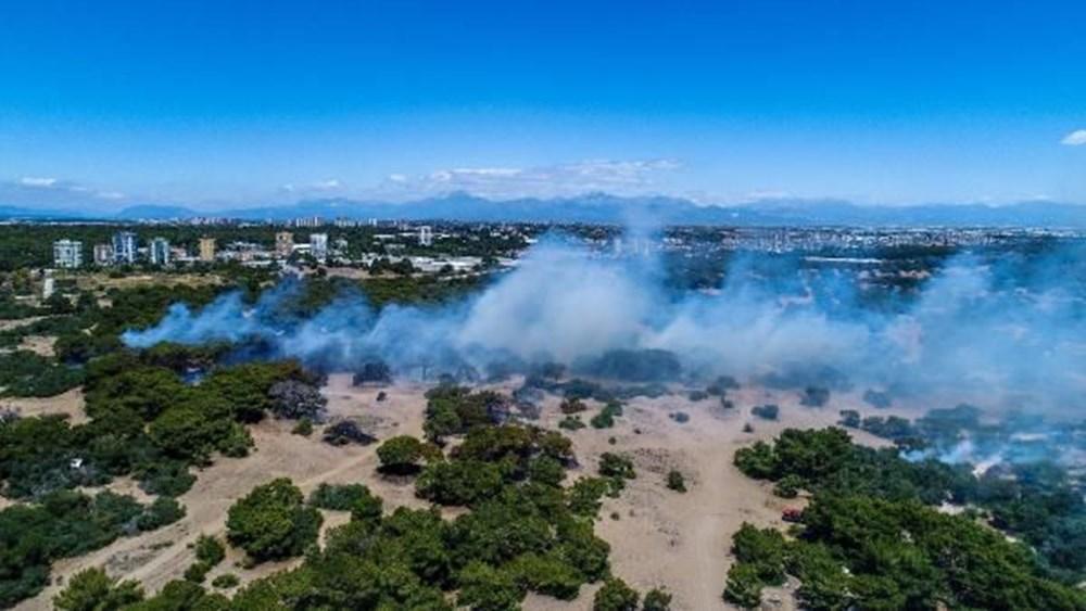 Antalya'da korkutan yangın: Kum taşıdılar - 12