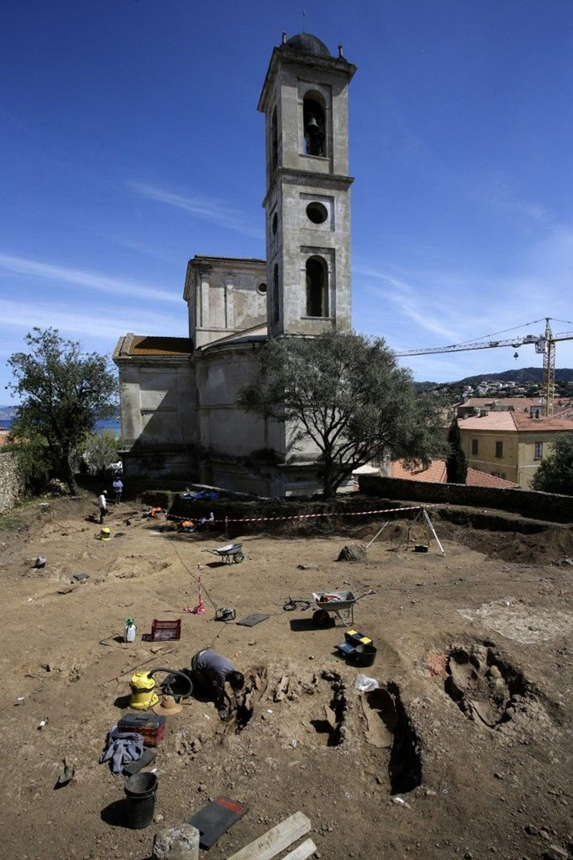 Fransız arkeologlar binlerce yıl öncesine ait 40 tabut keşfetti - 7