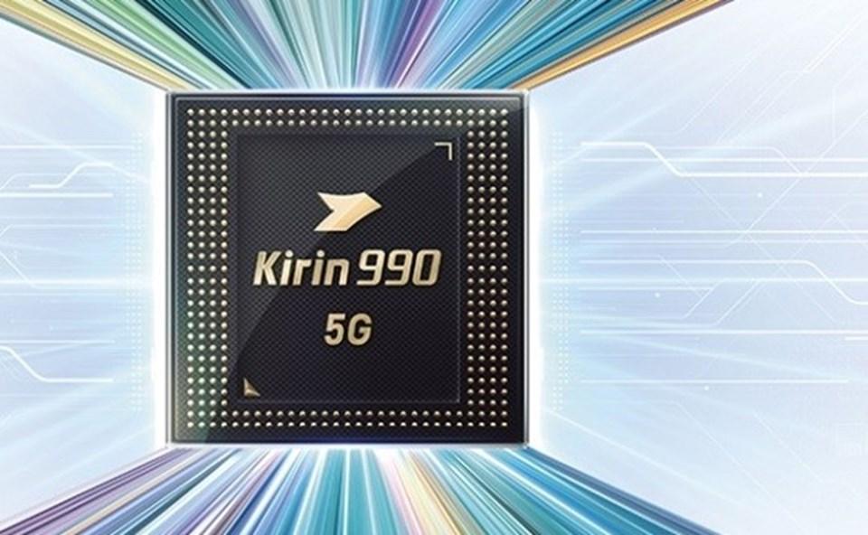 Kirin 990 Snapdragon 855'ten daha iyi bir performansa ev sahipliği yapıyor. Huawei, IFA 2019'da bu iki yonga setinin de Geekbench sonuçlarını paylaştı ve Kirin 990'ın tek çekirdek performansında Snapdragon 855'ten %10, çoklu çekirdek performansında ise %9 daha iyi olduğunu gözler önüne serdi.