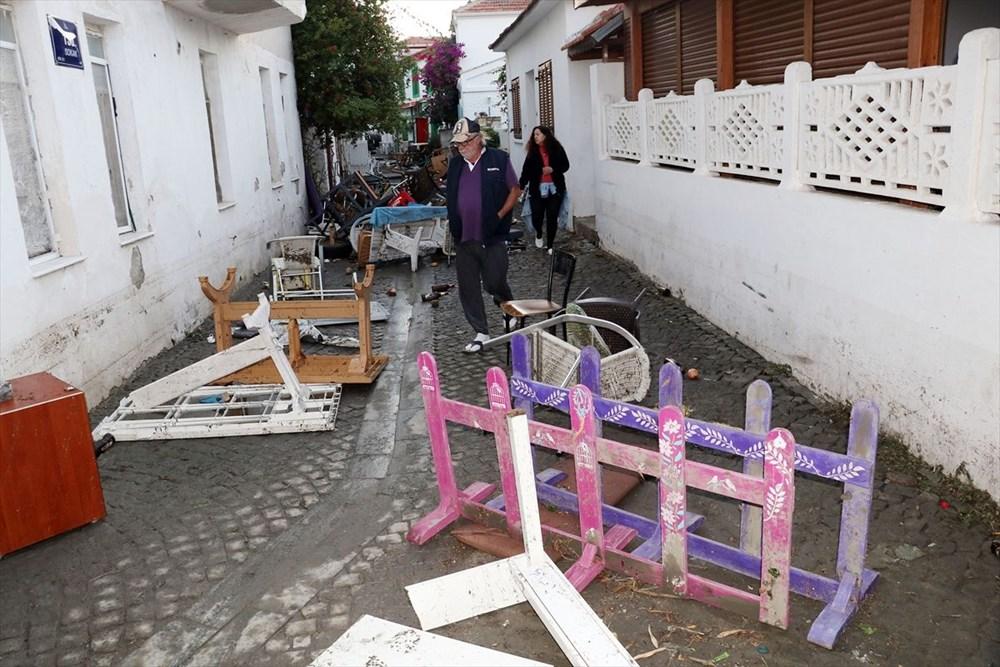 Tsunaminin vurduğu Seferihisar görüntülendi - 18