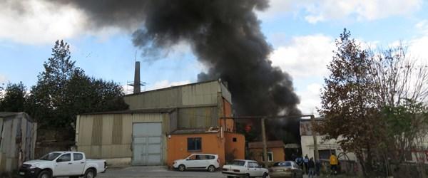 Kartal'da eski fabrikada yangın