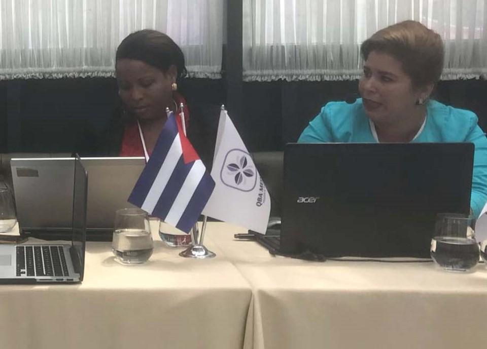Dr. Eskatherine Urgelles Blanco ve Dr. Anabely Estevez Garcia