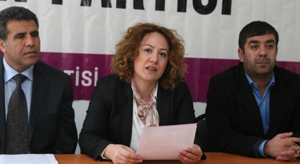 HDP'den Bitlis Milletvekili olarak seçilen avukat Mizgin Irgat