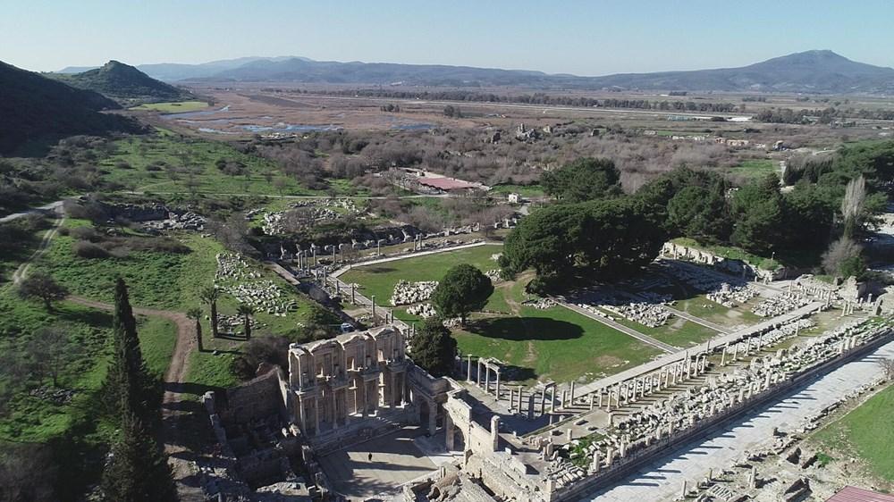 Efes Antik Kenti, pandemi döneminde de güvenli turizmin adresi oldu - 3