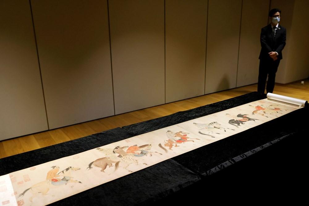 Hong Kong'da 700 yıllık resimli parşömen 41,8 milyon dolara satıldı - 2