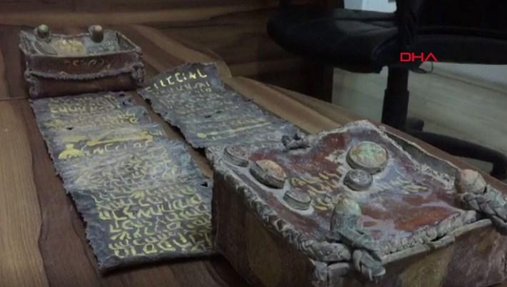 Bursa'da tarihi Tevrat ele geçirildi