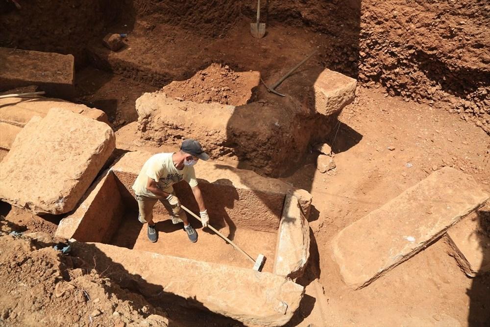 Muğla' da inşaat kazısında 2 bin 400 yıllık mezar kalıntıları bulundu - 4