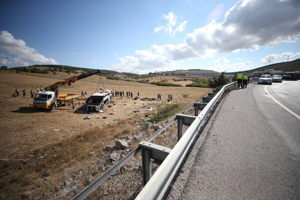 Balıkesir'de yolcu otobüsü devrildi: 15 kişi hayatını kaybetti - 10