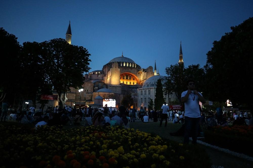 The crowd does not decrease in Hagia Sophia - 2