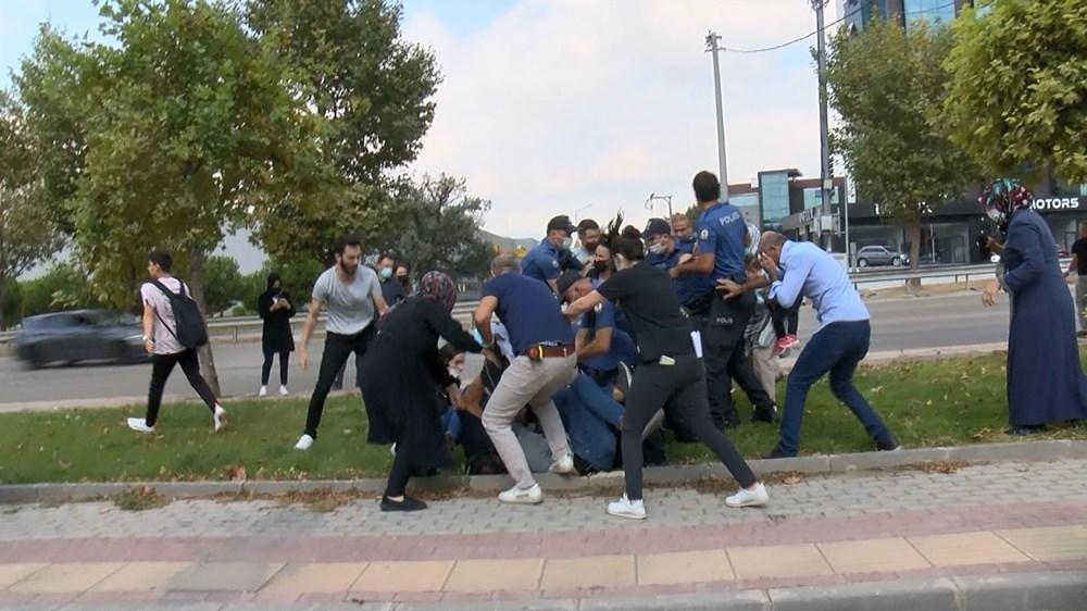 Selama pengintaian, mereka menyerang pengemudi wanita, polisi turun tangan dengan gas air mata - 11