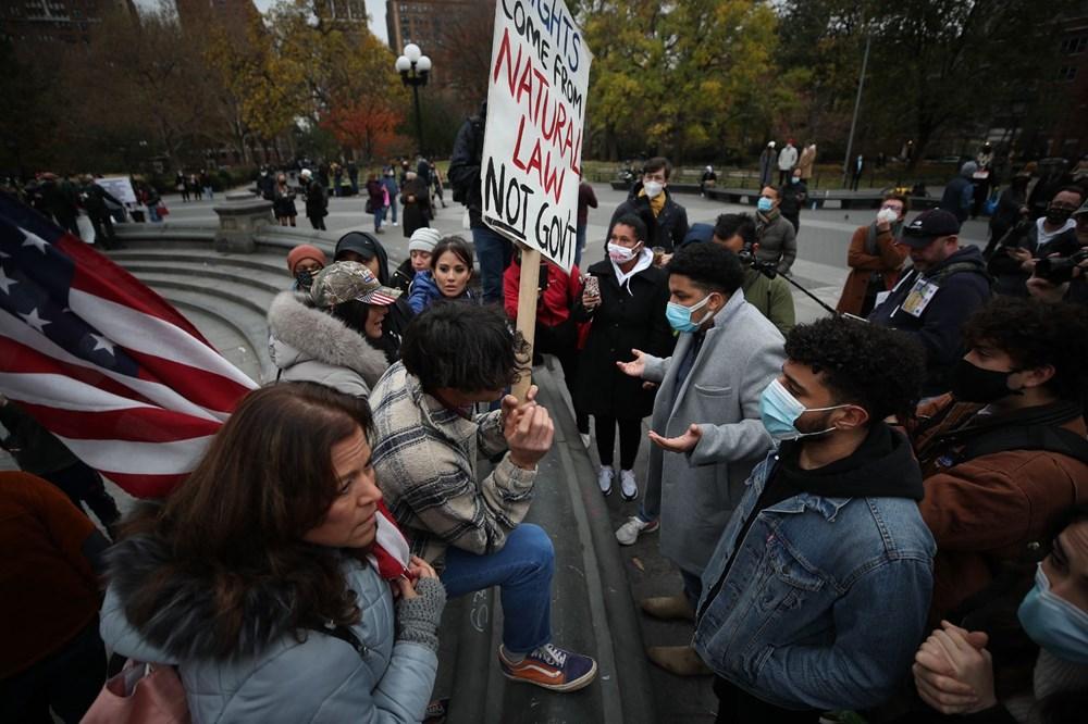 New York'ta karantina karşıtları maske yaktı - 3