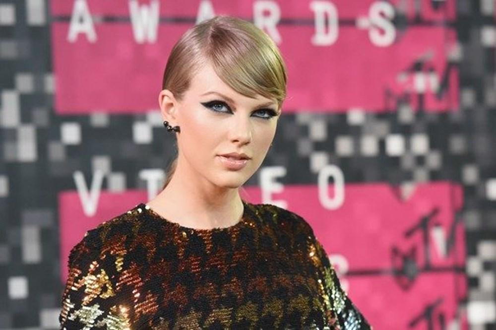 Taylor Swift, Folklore albümü ile rekorları alt üst etti - 5